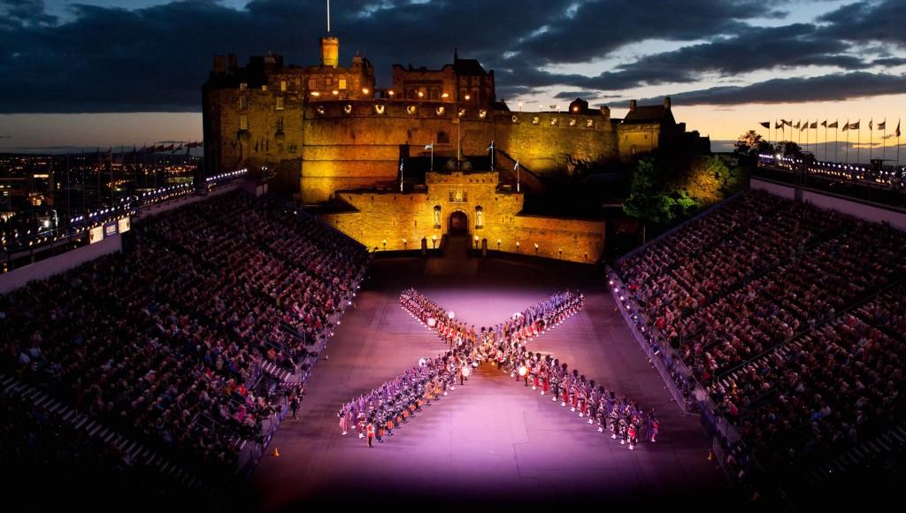 Edinburgh_Military  Tattoo Festival - Spettacolo pirotecnico